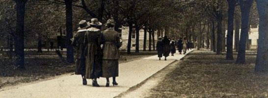 Campus walkway, 1912