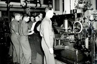 mechanical engineering laboratory demonstration